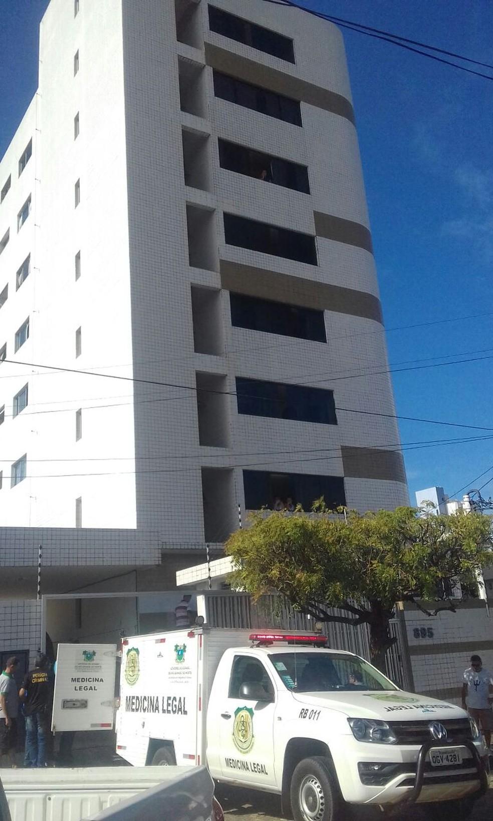 Depois de matar o neto, o avô se jogou do 7º e último andar do prédio (Foto: Julianne Barreto/Inter TV Cabugi)