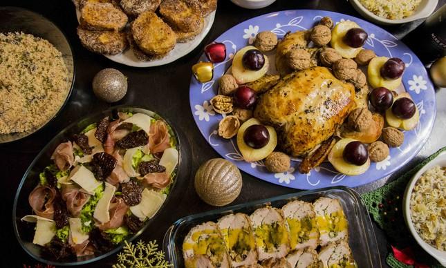 Na ceia por encomenda do Benvenuto, opção de lombo recheado com passas brancas e pretas e maçã ao molho e mostarda e mel