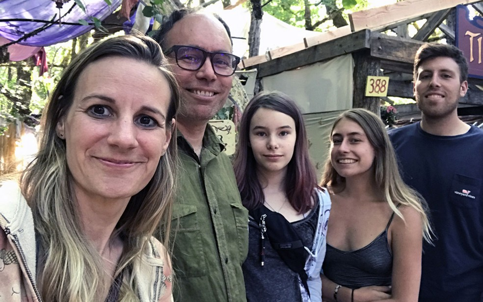 Filhos bilógicos se juntaram para visitar Aaron em Seattle — Foto: Arquivo pessoal