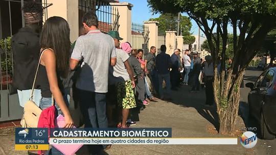 Com 12,3 mil sem biometria, fila dobra quarteirão em Cosmópolis no último dia para cadastramento