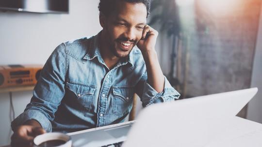 Foco no home office: ouça dicas para trabalhar em casa