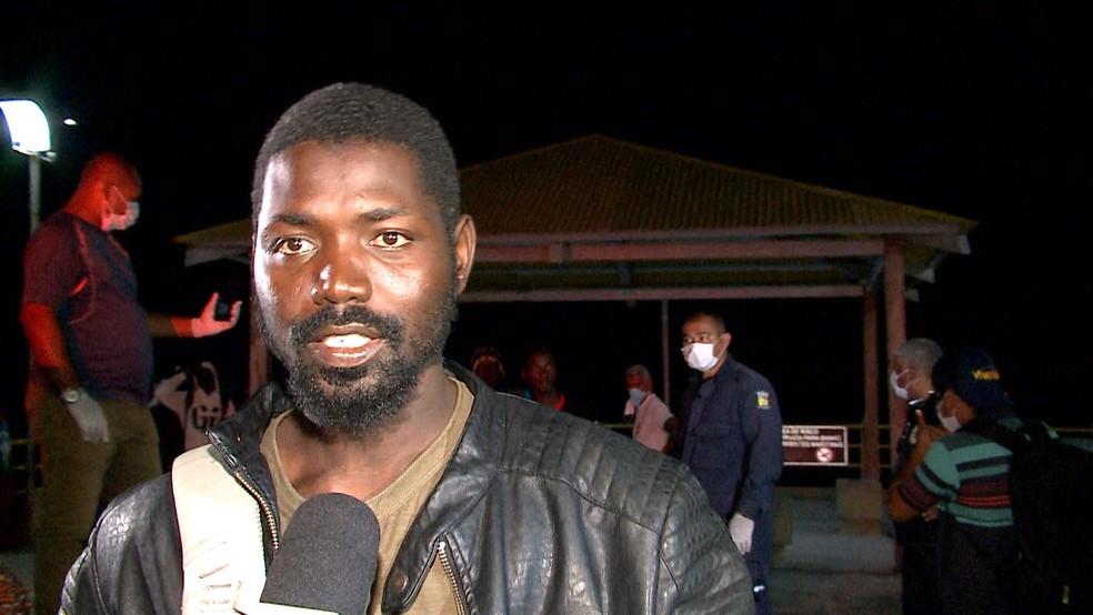 Mucqtaer Mansaray, de Serra Leoa, disse que se arriscou na viagem ao Brasil por dificuldades em pagar a universidade (Foto: Reprodução/TV Mirante)