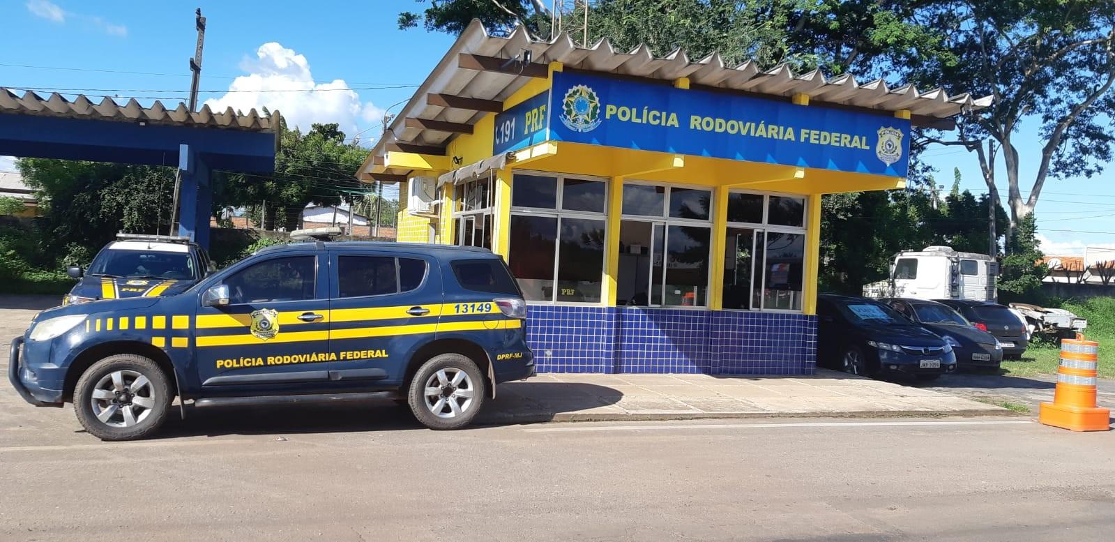 PRF prende jovem suspeito de violência doméstica no Maranhão
