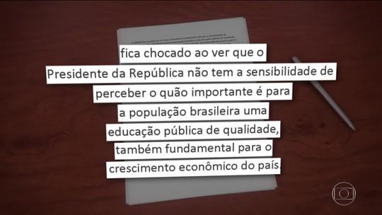 Bolsonaro chama manifestantes de 'idiotas úteis e massa de manobra' e recebe críticas