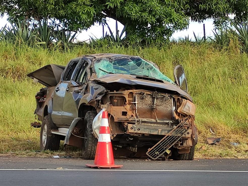 Capotamento de veículo deixou uma vítima na SP-425 em Martinópolis — Foto: Murilo Zara/TV Fronteira