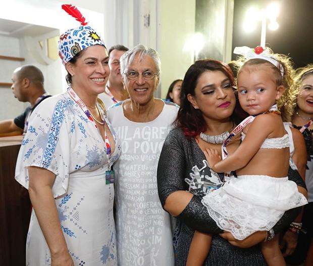Preta Gil com a neta, Sol de Maria, Flora Gil e Caetano Veloso (Foto: Felipe Panfili/ Divulgação)