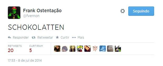 Torcedor bilíngue tentando explicar o primeiro tempo da semifinal entre Brasil e Alemanha (Foto: Reprodução/Twitter/fvernon)
