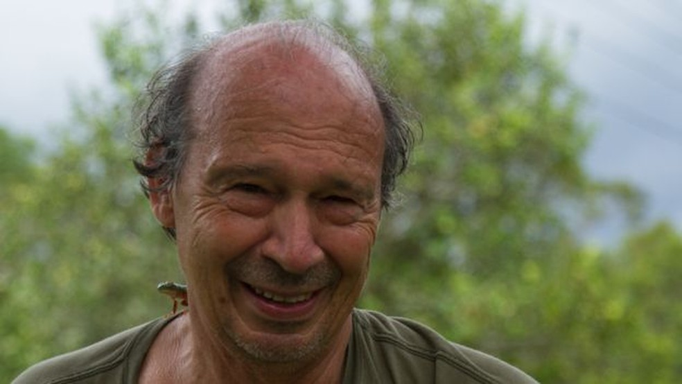Professor Miguel Trefaut já descobriu cerca de 80 espécies em sua carreira (Foto: BBC)