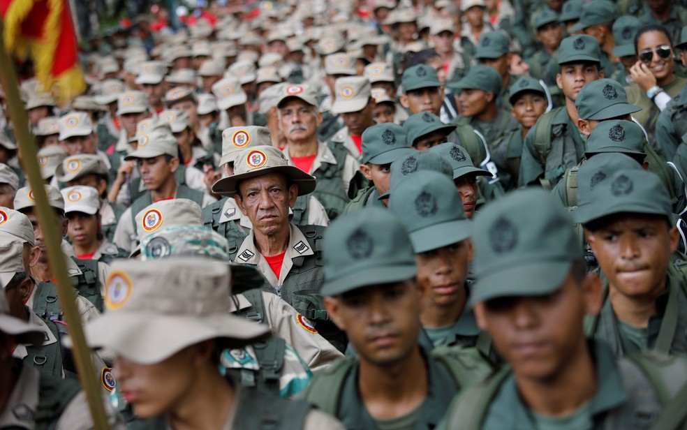 Forças Armadas Nacionais Bolivarianas desfilam durante exercício militar em Caracas, na Venezuela (Foto: Reuters/Andres Martinez Casares)