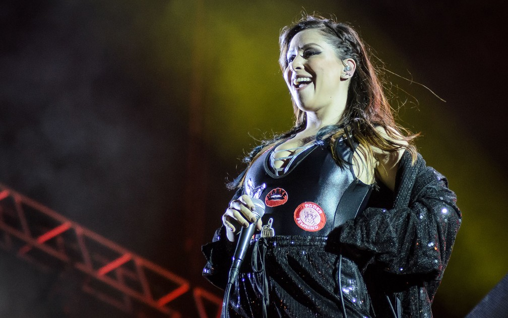 -  Pitty abriu o show no João Rock 2017 com   34;Admirável Chip Novo  34;  Foto: Igor do Vale/G1