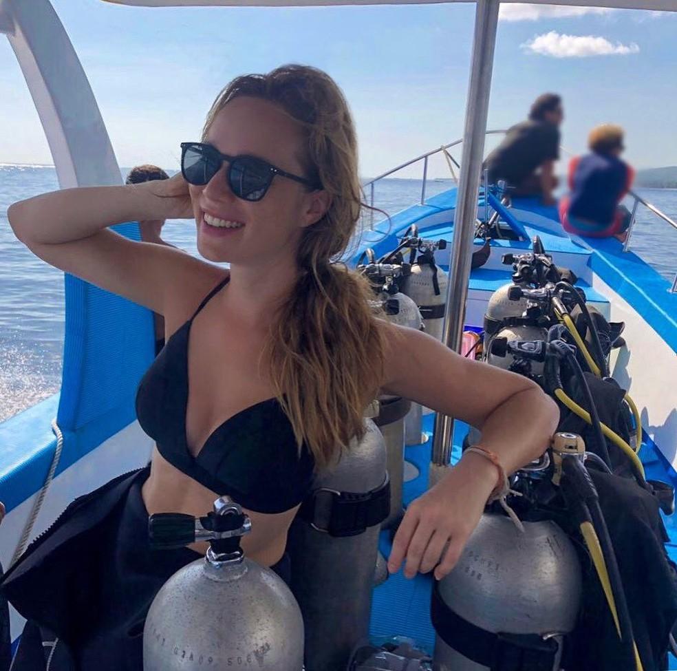 Ela não abre mão de mergulhar nas férias: 'O fundo do mar é uma síntese do que tanto falamos de equilíbrio e interdependência' (Foto: Arquivo Pessoal)
