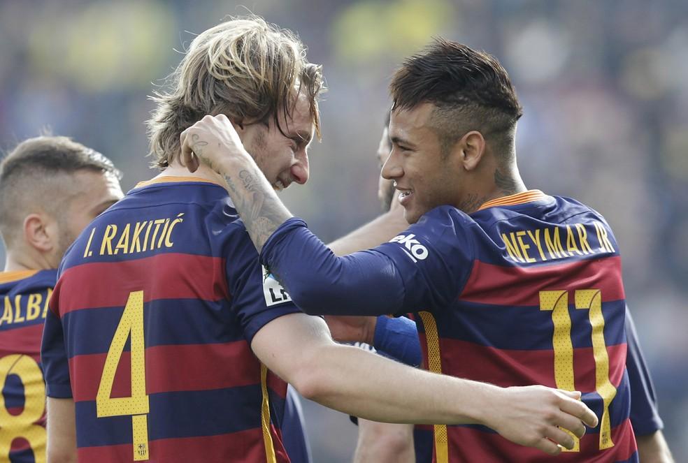 Rakitic e Neymar  (Foto: AP )