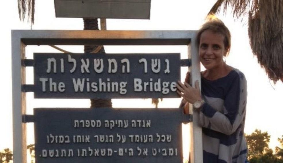 Márcia durante o tratamento em Israel, em 2012. (Foto: Arquivo Pessoal)
