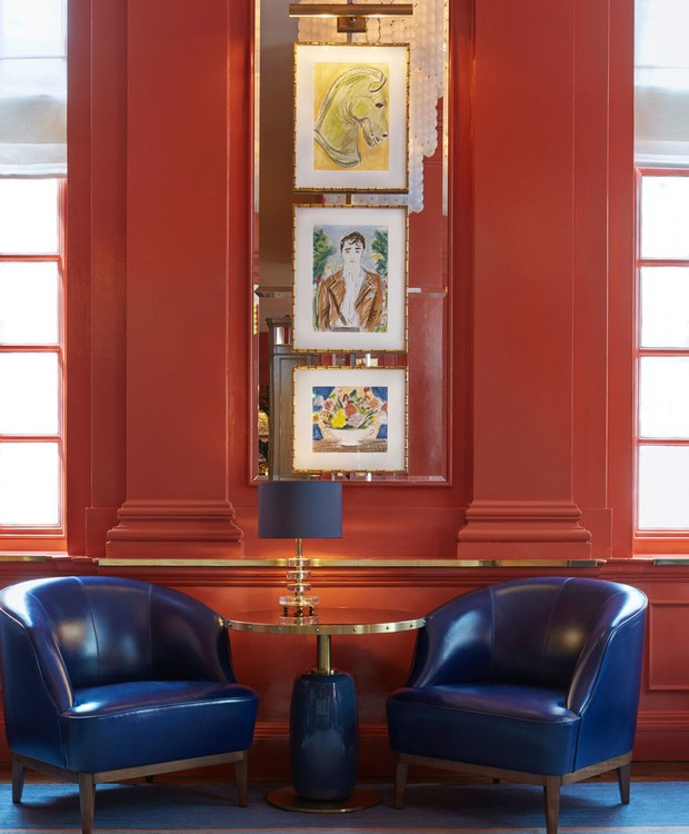 36 ilustrações Luke Edward Hall decoram as paredes com muita descontração (Foto: The Coral Room/ Reprodução)