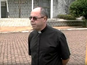Edilson José de Souza, de 50 anos, também era padre. (Foto: RBS TV/Reprodução)
