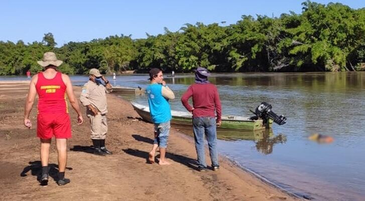 Corpo de morador de rua é encontrado boiando em rio de MS