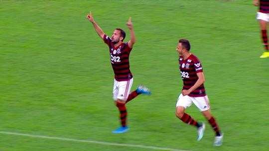 """Olheiro de Tite assiste a gol de Éverton Ribeiro aos 46 minutos: """"Vim aqui para vê-lo"""""""