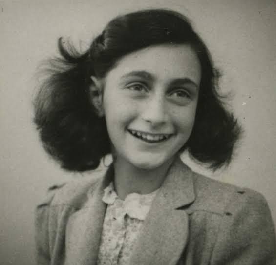 Projeto literário na Favela do Borel será sobre Anne Frank, que  completaria 76 anos, sábado passado, caso fosse viva